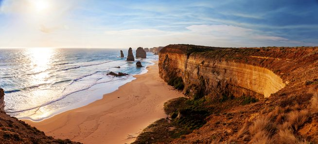 12 Apostles along the Great Ocean coastline