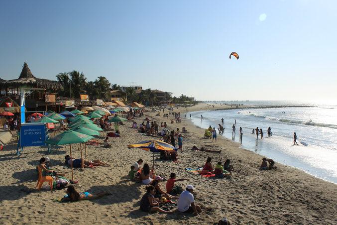 (The beach at Máncora, northern Peru. Image credit: Jonathan Hood)