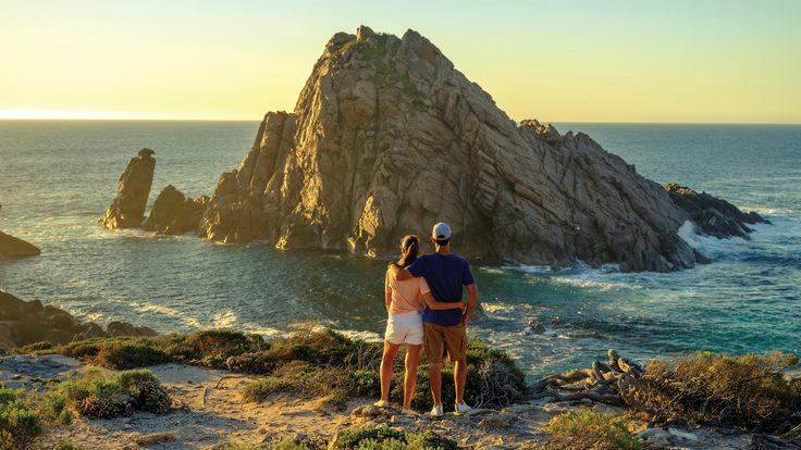 Sugarloaf Rock, Leeuwin-Naturaliste National Park. Credit: Tourism Western Australia.