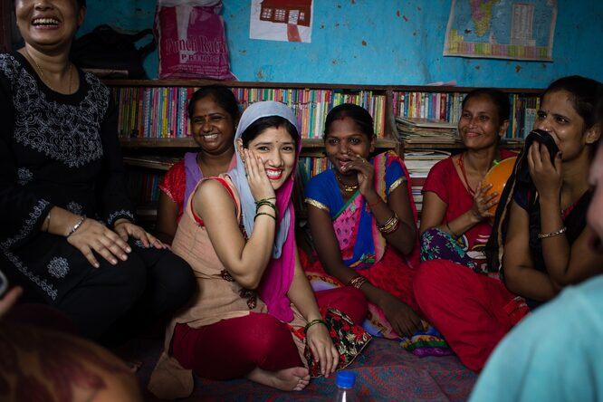 Image: Empowering women in a Delhi slum to sell handicrafts online. Credit: Hands On Journeys