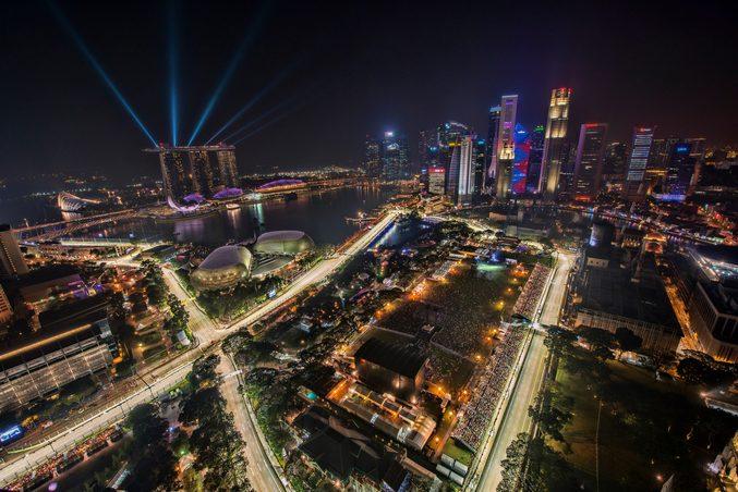 Formula 1 GP, Singapore. Credit: Chensiyuan