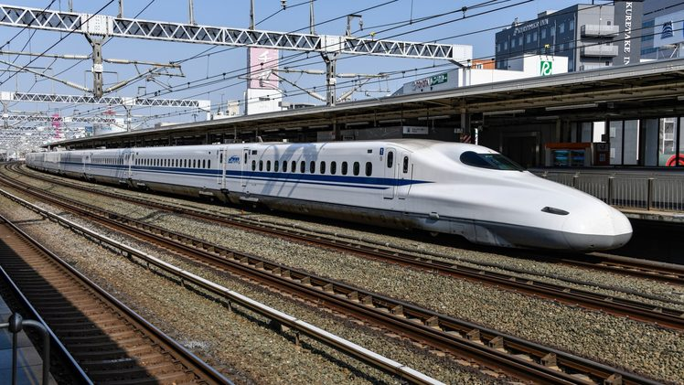 Shinkansen bullet train. Photo by David Dibert from Pexels.