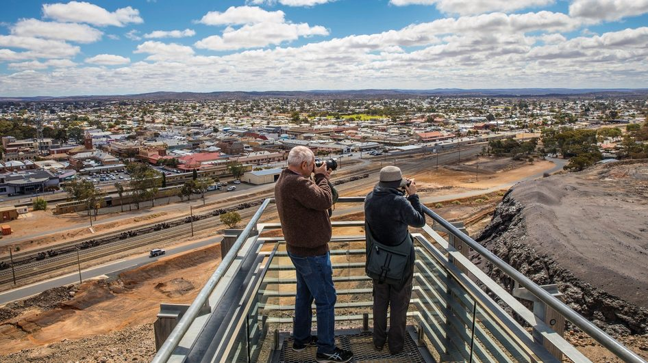 Line of Lode and Miners Memorial, Broken Hill. Credit: Destination NSW.