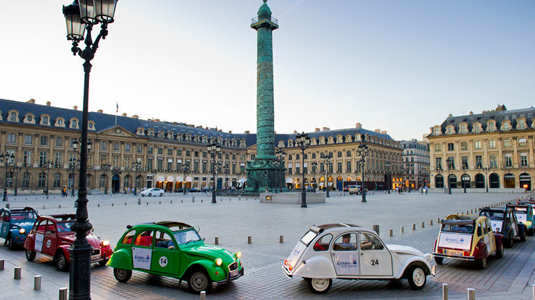 A 2CV tour of Paris. Image credit: 4 Roues Sous 1 Parapluie