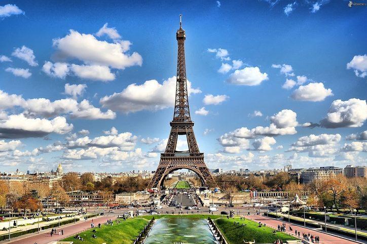 It's always a love-game in Paris.