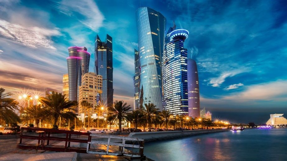 Free city tours are available in Doha, Qatar, if your transit duration meets specific requirements. Ask your ATAS-accredited travel professional for details.