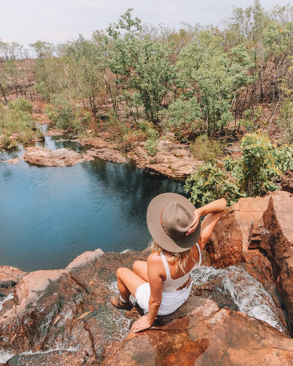 Taking in the view at Sandy Creek_Tourism NT Lucy Ewing