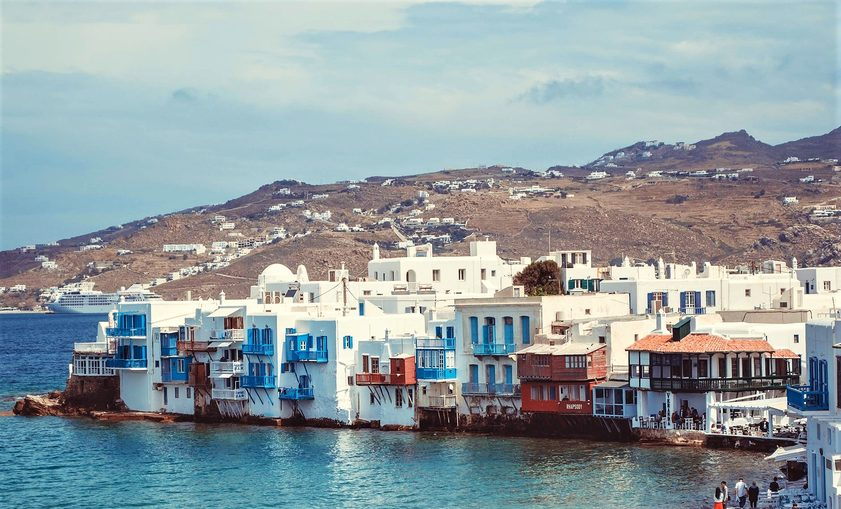 GREECE: DOING IT DIFFERENTLY  Top tips from a travel expert