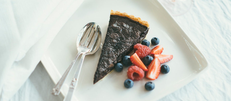 Chilli chocolate macadamia tart