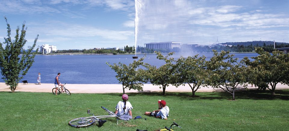 Picnics at Lake Burley Griffin, Canberra - Image credit Tourism Australia