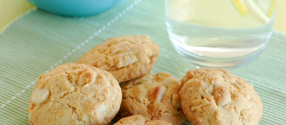 Macadamia and lemon cookies