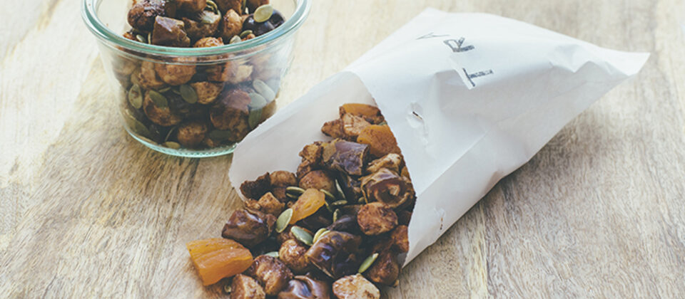 Macadamia trail mix