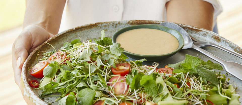 Macadamia and tamari salad dressing