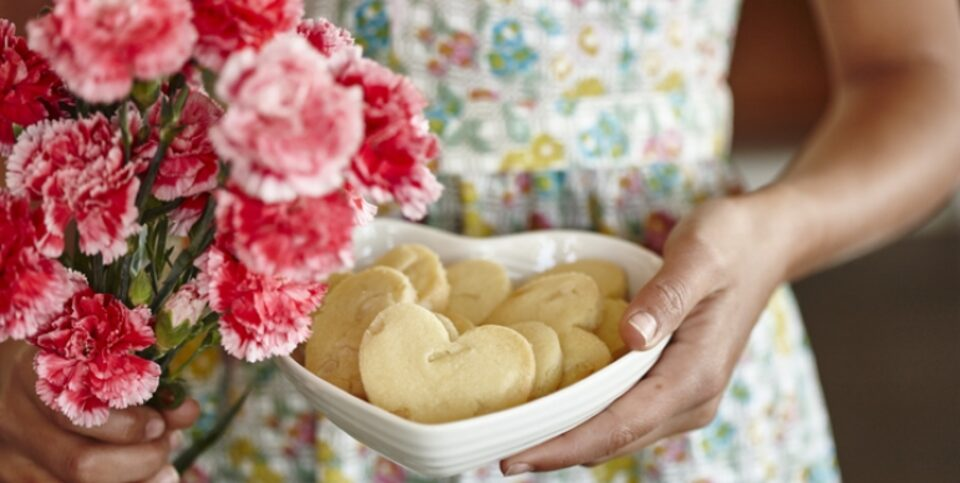 Mothers' Day fine macadamia shortbread hearts
