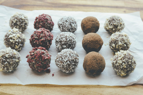macadamia bliss balls recipe