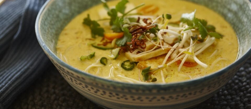Spicy macadamia laksa with tofu