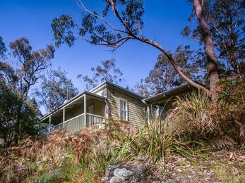 Exterior of Reids Flat Cottage in Royal National Park Photo Rosie Nicolai OEH