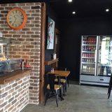 Alexanders Cafe