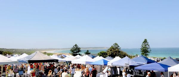 Stalls at Cronulla Markets Don Lucas Reserve