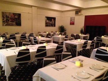 Schnitz And Giggles Club Heathcote Restaurant
