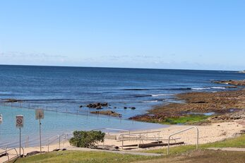 Shelly Beach and rock pool